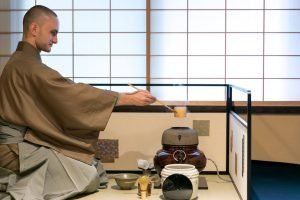 A RESPECTFUL FOREIGN INTERPRETATION OF THE TEA CEREMONY – BY TERRIE LLOYD